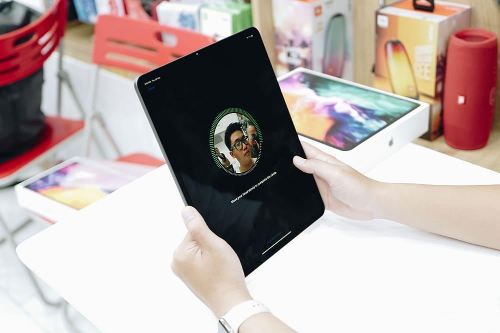Apple iPad Pro 12.9 (2020) Cellular 128Gb (Silver)- 128Gb/ 12.9Inch/ 4G + Wifi + Bluetooth 5.0