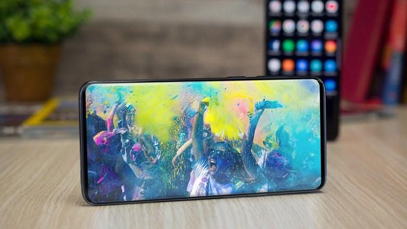 Samsung trang bị cho Galaxy S10 màn hình Infinity-O
