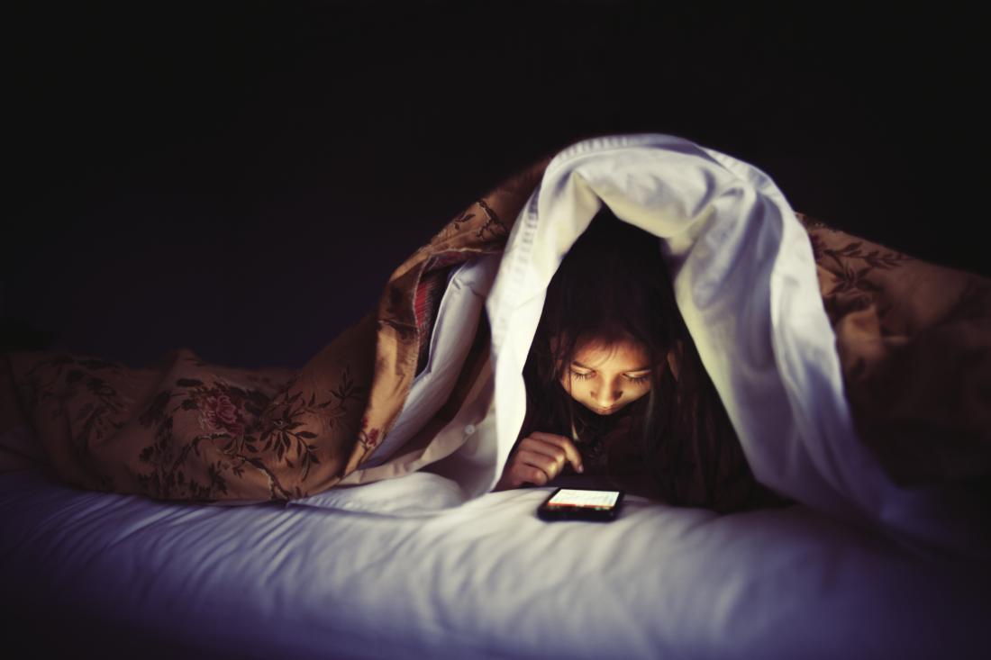 Thủ thuật nhỏ bảo vệ mắt bạn khi sử dụng điện thoại liên tục
