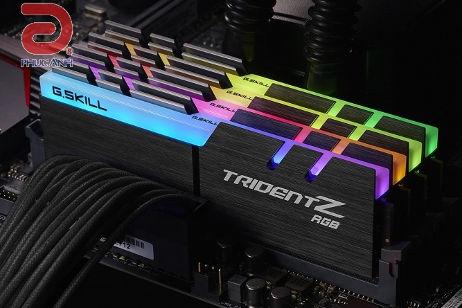RAM GSKill Trident Z LEB RGB 32Gb (4x8Gb) DDR4-2400(F4-2400C15Q-32GTZR)