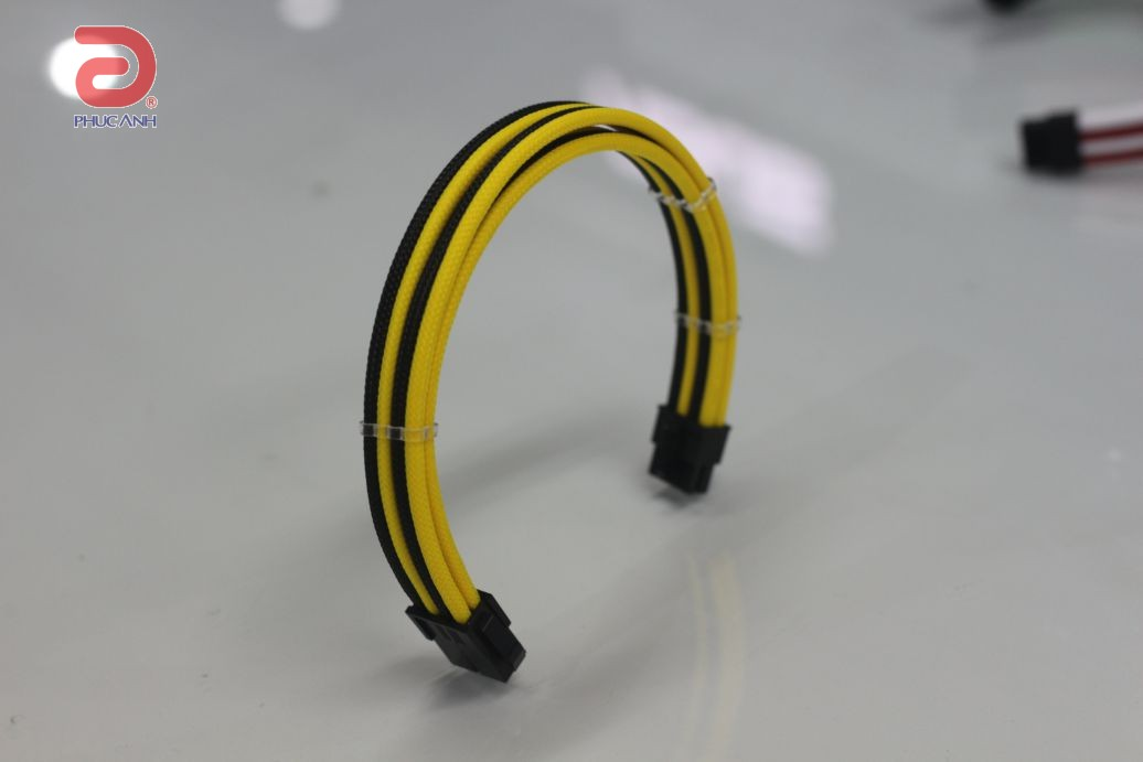 Cáp dây nguồn bọc lưới Scorpion 8 pin