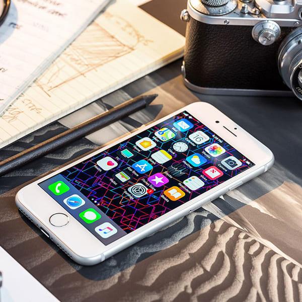 Apple iPhone 8  (Silver)- 4.7Inch/ 256Gb/ 1 sim
